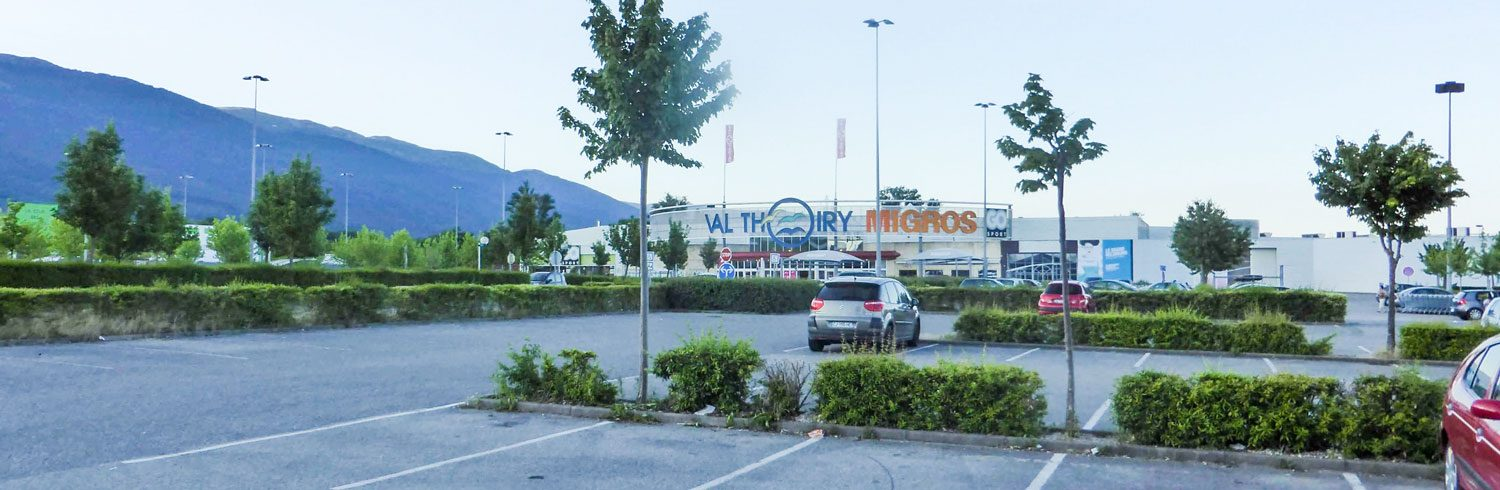 baner-Val-Thoiry-Shopping-Centre-1-scaled